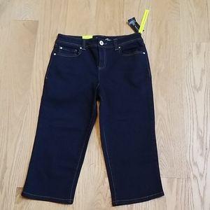 NWT INC Straight Leg Regular Fit Crop Jeans - SZ6